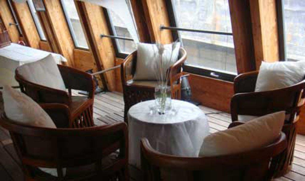 le-corsaire-logo-restaurant-evenement-entreprise-lac-suisse-yverdon-lausanne-grandson-location-bateau-port-d-attache-amenagement-tarifs-prix-10